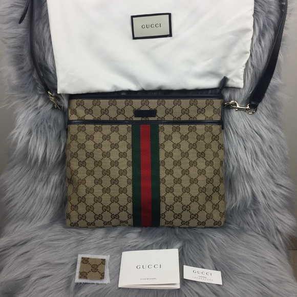 4186958b4524 Gucci Bags | Web Gg Supreme Messenger Crossbody Bag | Poshmark